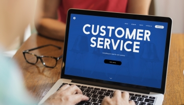 Thumbnail - Customer Care Video - BLOG - ZoomWorks - JPG